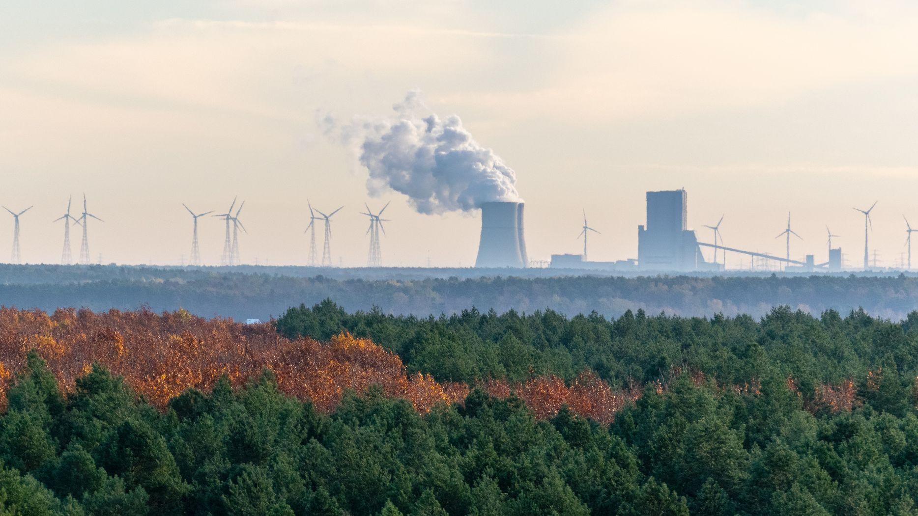 Stromgroßhandel 2020: Covid-19 drückt die Preise